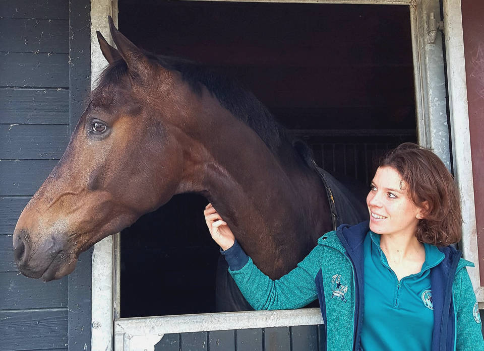 Nadia van Delft in Paard&Sport KNHS